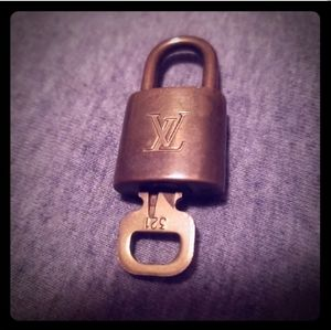 321 louis Vuitton lock and key